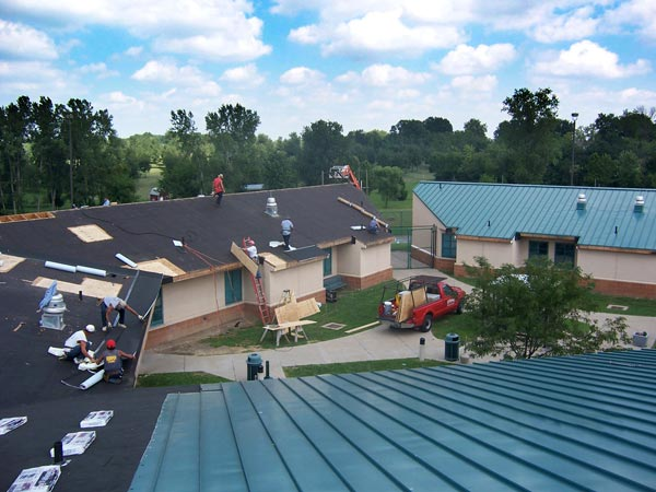 Another Area Of Specialty For Roberts Roofing Is Metal Roofing. Whether  Itu0027s Installing A New Metal Roof For A Home Or A Large Commercial Building,  ...